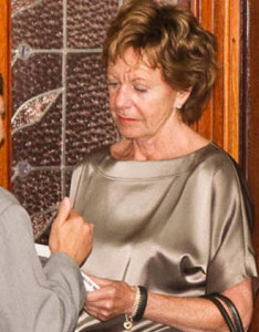 Presenting II book to Neelie Kroes